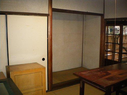 成瀬仁蔵邸・1階6帖間