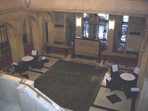 綿業会館・旧館ロビー