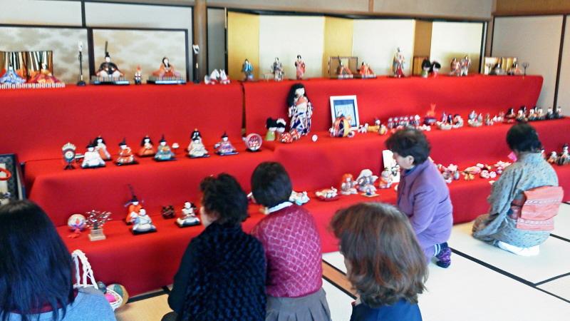ひな祭り茶会雛壇