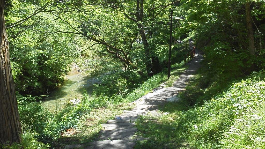木賊温泉岩風呂への道 (1024x576)