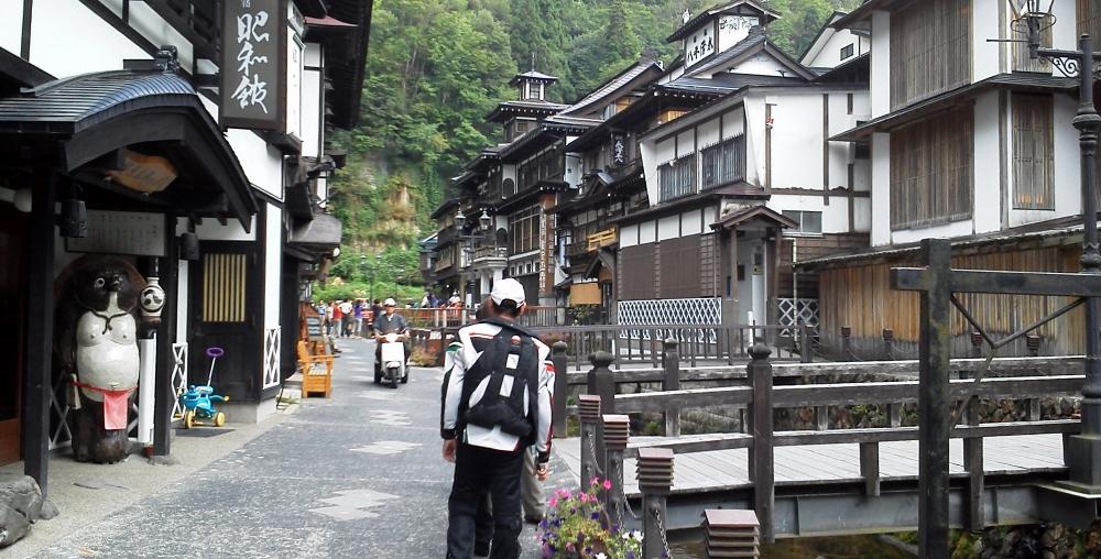 銀山温泉にて4 (1000x508)