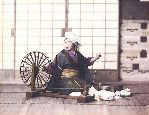 04 500 明治初期:糸車