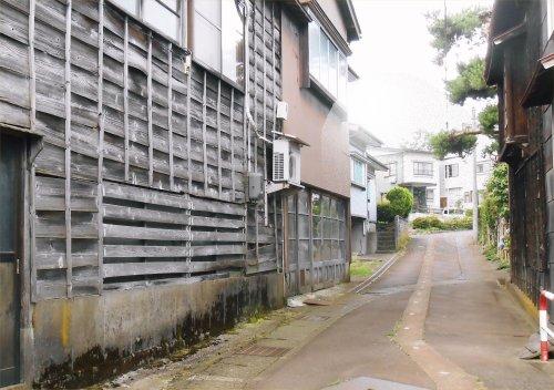 01 500 20140628 松の木屋さん:風雪板外壁 vingnette