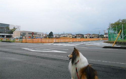 01 500 20140825 公園駐車場造成中:元公民館跡地 Erie