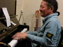 ピアノ竹下清志さん