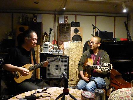 ギター村山義光講師と受講者