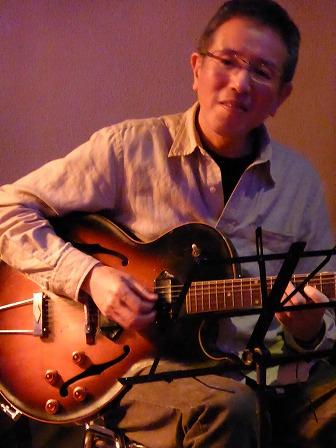 ギター塩本彰さん