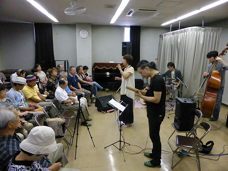 ボーカル小柳淳子さん、ギター村山義光氏、ベース萬 恭隆さん、ドラム斎藤洋平さん