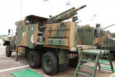EVO-105 105mm(装輪)自走榴弾砲 Samsung