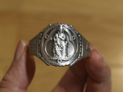 マリア像のオーナメント