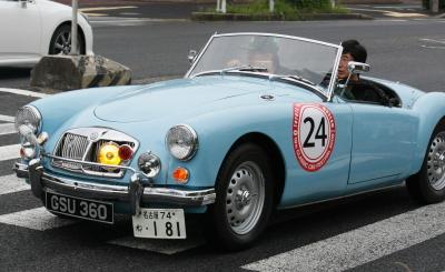 旧型車ライトブルーオープン