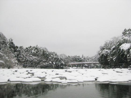 雪の伊勢06