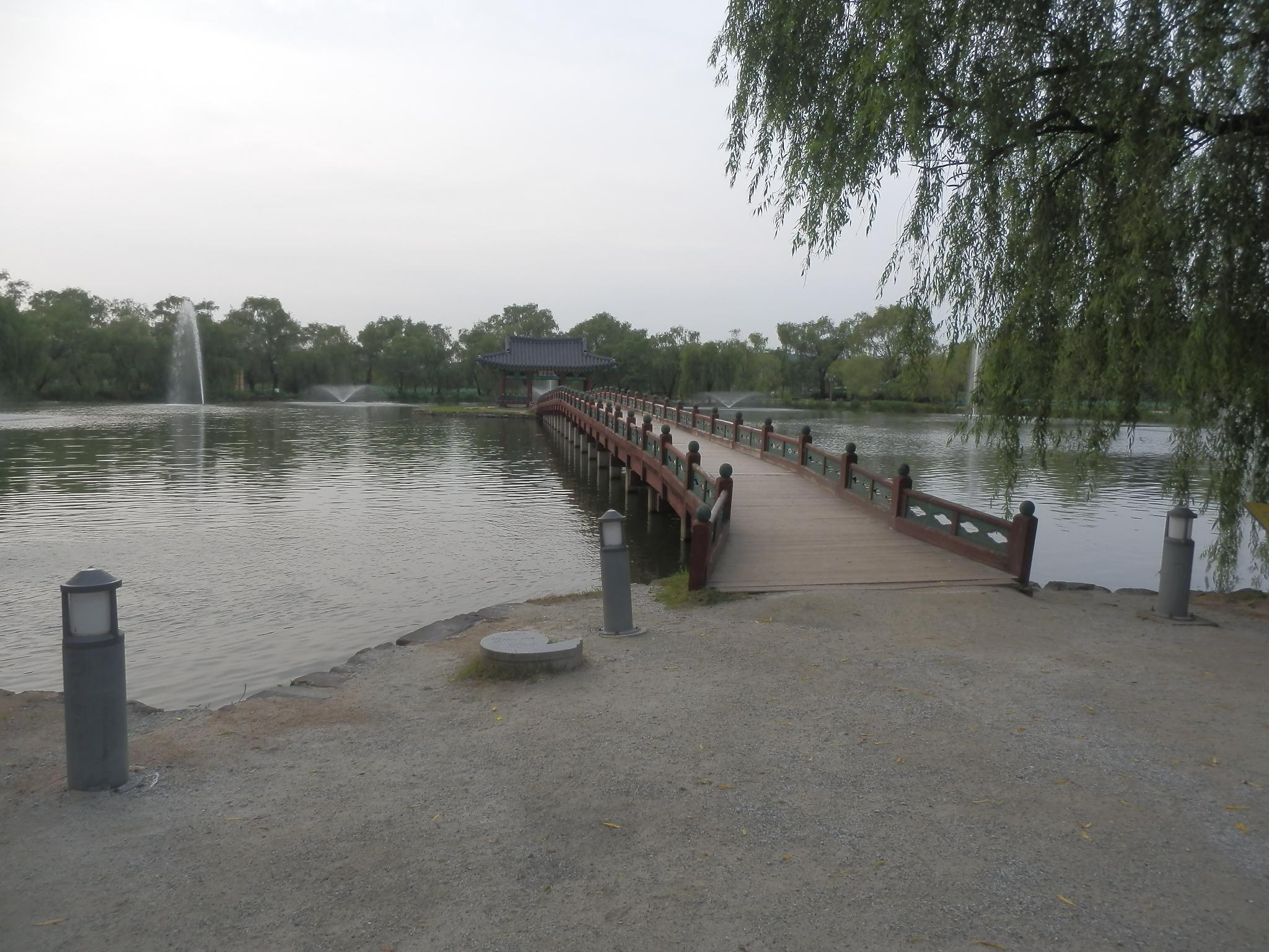 宮南池の橋