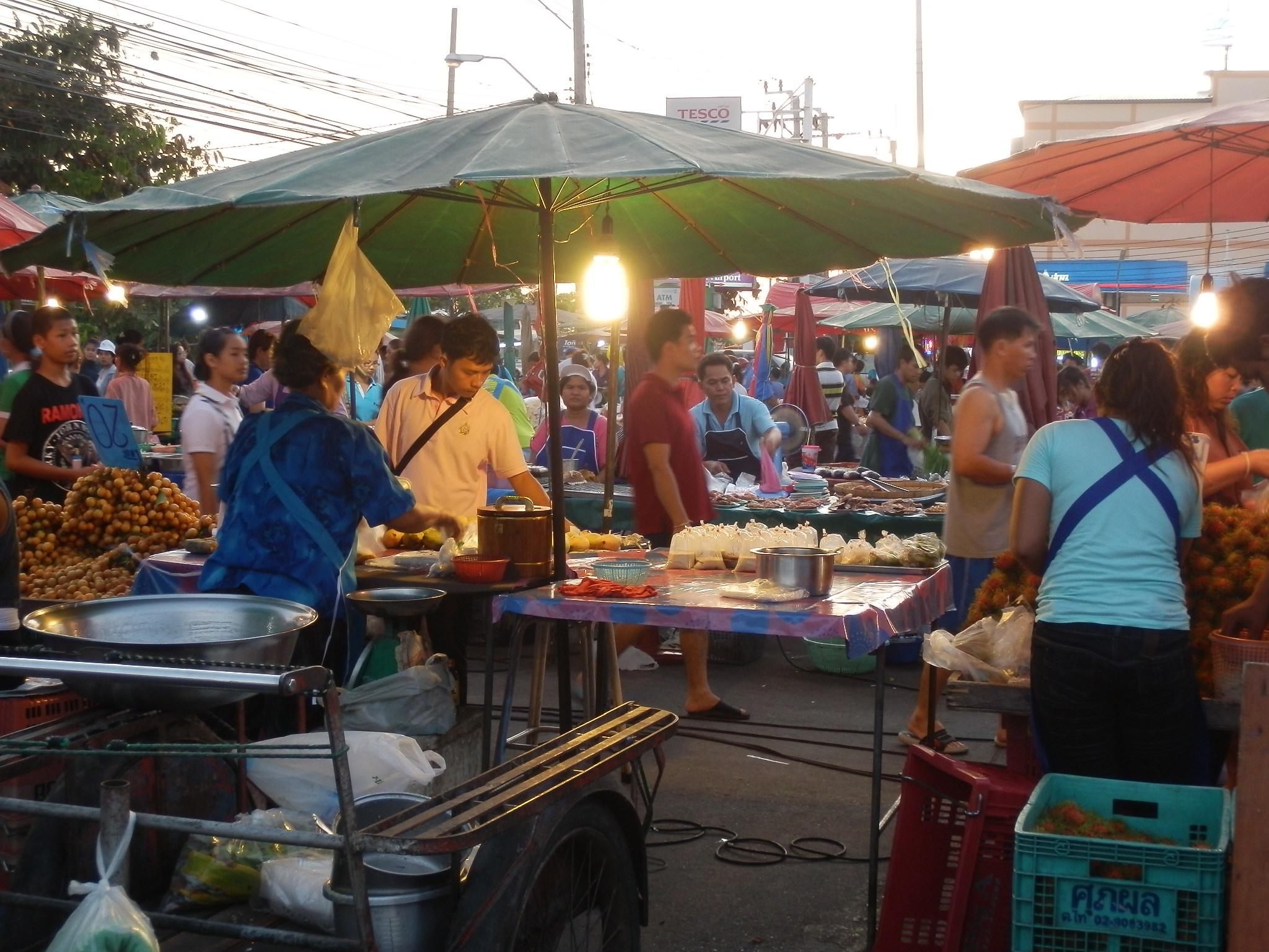 スワンナプーム近くの市場