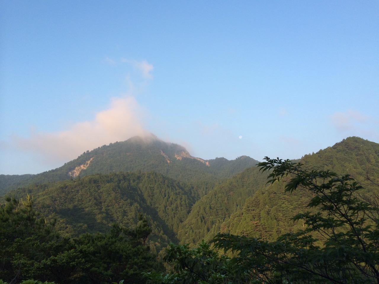 長石尾根からみた鎌ヶ岳
