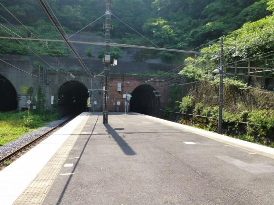 JR田浦駅1110605
