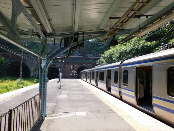 JR田浦駅1110609