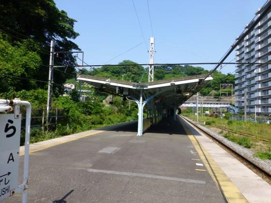 JR田浦駅1110613