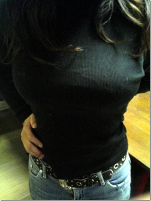 【画像】着衣で爆発しそうなピチピチおっぱい_002-s