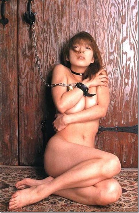 エロティシズムとポルノグラフィーの狭間で・・エロく美しい女達の縄化粧_003-s