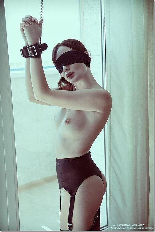 エロティシズムとポルノグラフィーの狭間で・・エロく美しい女達の縄化粧_004-s