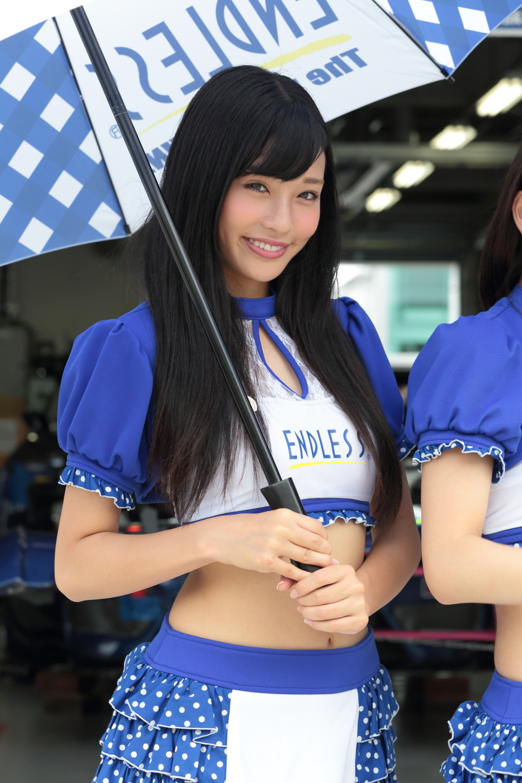 小林かれん (2)