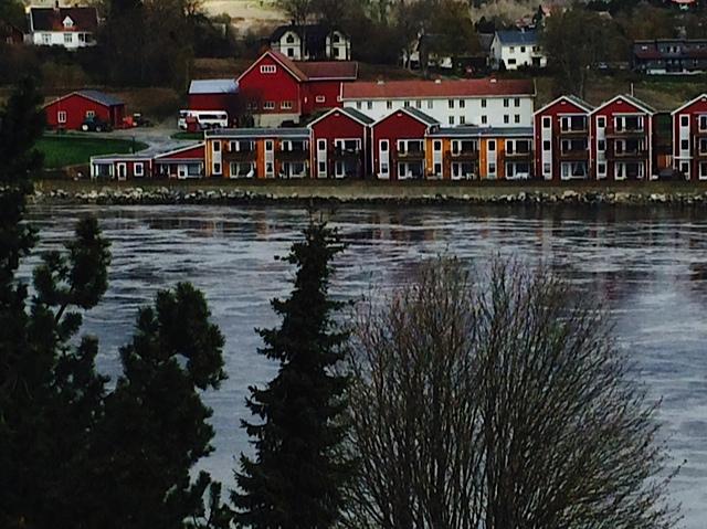 norフィヨルド赤い家達
