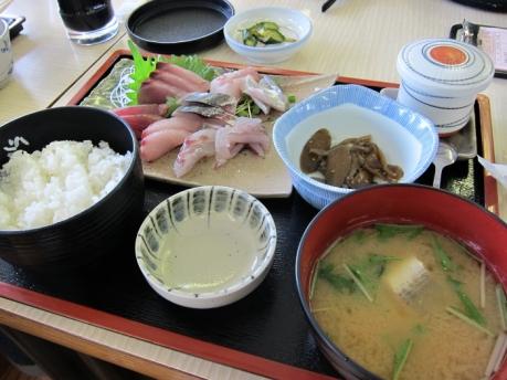 青島漁港 魚料理 あおしまさん お刺身定食