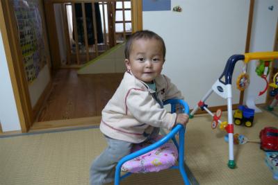 プリキュア豆椅子とヒロ君
