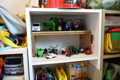 おもちゃ棚2階建て