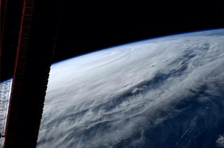 ISS台風11号