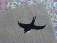 鳥の刺しゅう