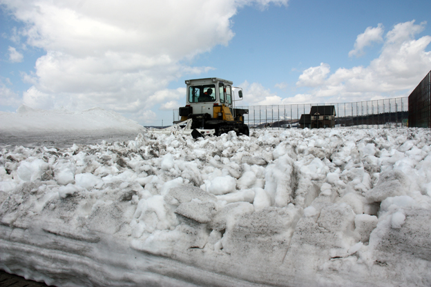 20140401渡部建設(株)雪割りボランティア