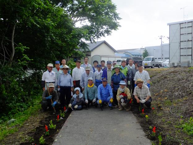 20140618長生クラブ花の定植ボランティア
