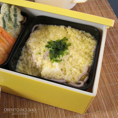 とろろ・野菜天・サラダ蕎麦弁当02