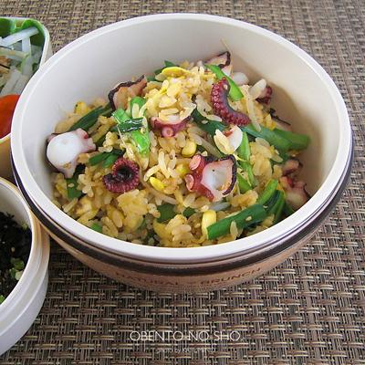 蛸と豆もやしの炒飯弁当02
