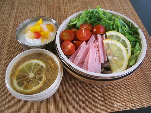 サラダ蕎麦レモンごまつゆ添え弁当01