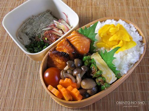 醤油麹の焼き鮭弁当01