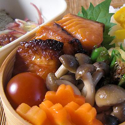 醤油麹の焼き鮭弁当02