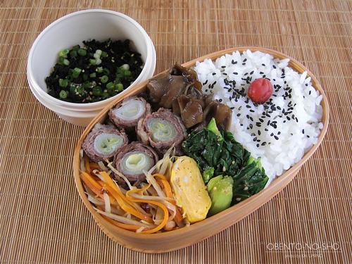 ネギの肉巻きすき焼き弁当01