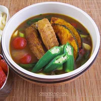 鶏手羽と夏野菜のカレーうどん弁当02