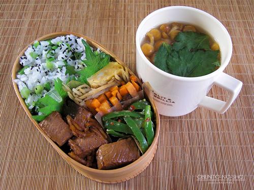 カツオの生姜角煮弁当01