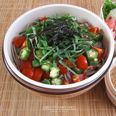 トマトとオクラの胡麻だれ蕎麦弁当02