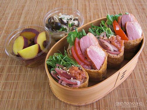 合鴨薫製の蕎麦いなり弁当01