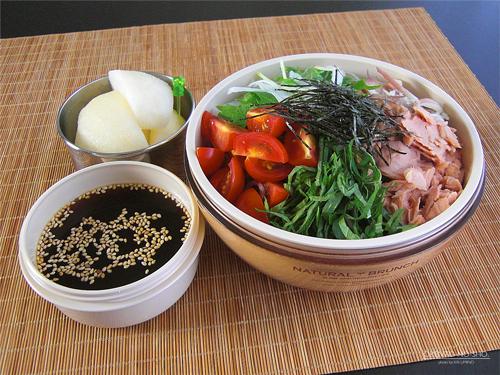 ツナサラダ蕎麦弁当01