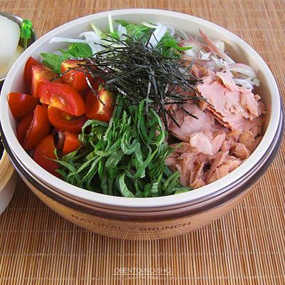 ツナサラダ蕎麦弁当04