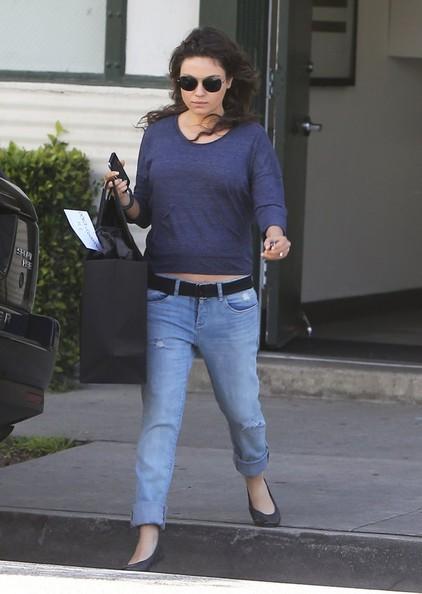 Pregnant+Mila+Kunis+Shopping+Beverly+Hills+76wpL2RgyEUl.jpg