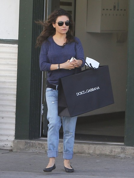 Pregnant+Mila+Kunis+Shopping+Beverly+Hills+a-yHYQjVThKl.jpg