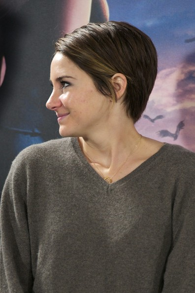Shailene+Woodley+Divergent+Photo+Call+Madrid+JSsY0Dpl0AEl.jpg