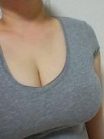 推定Iカップデカ乳輪女が乳圧で落ちないペットボトルパイズリ自画撮り